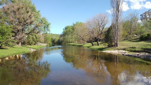 Lote a metros del arroyo en Tanti