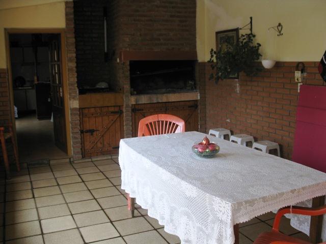 Casa + Departamento con pileta - Santa Rita